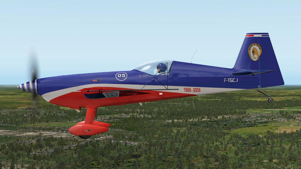 Extra330SC_Flying 4.jpg