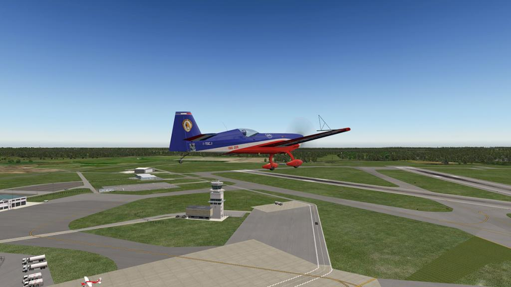 Extra330SC_Flying 17.jpg