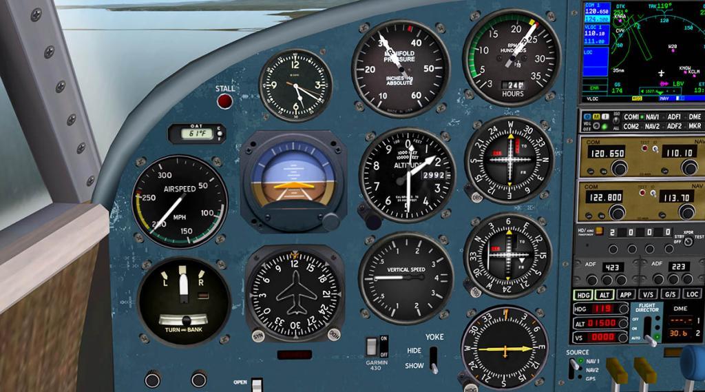 Beech18_Cockpit 6.jpg