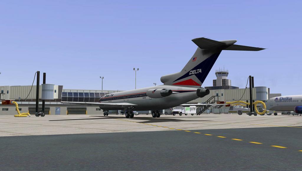 727-200Adv_Land 19.jpg