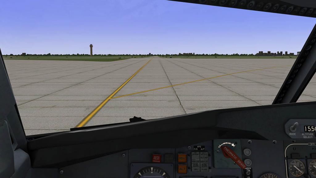 727-200Adv_Taxi 8.jpg