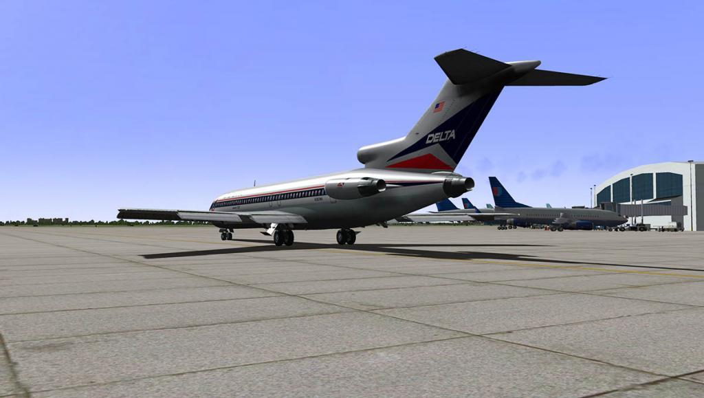 727-200Adv_Taxi 9.jpg