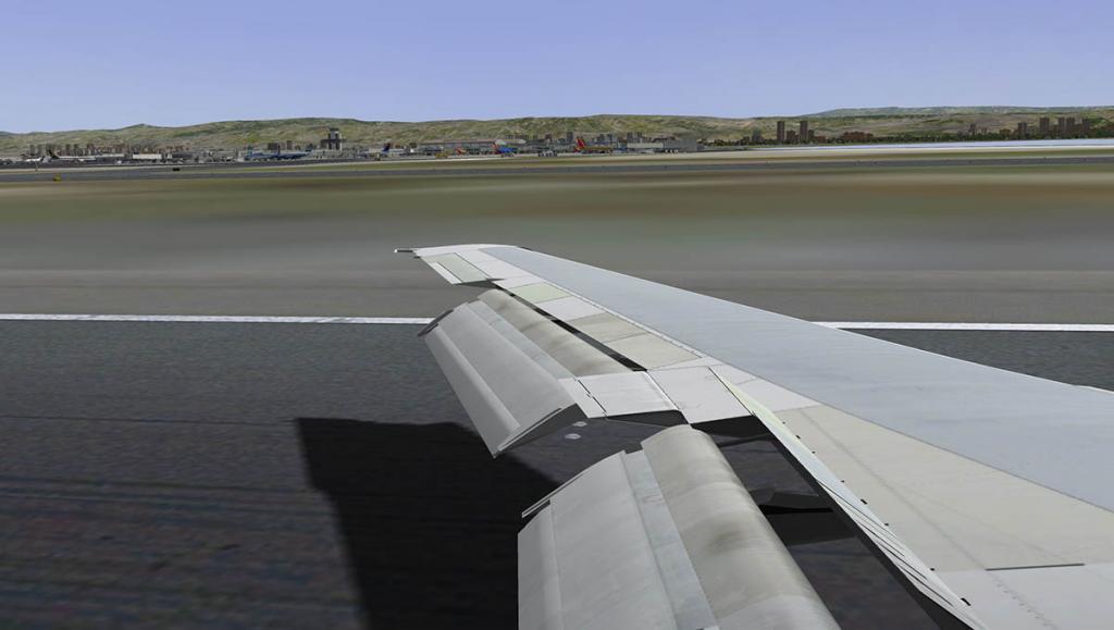 727-200Adv_Land 13.jpg