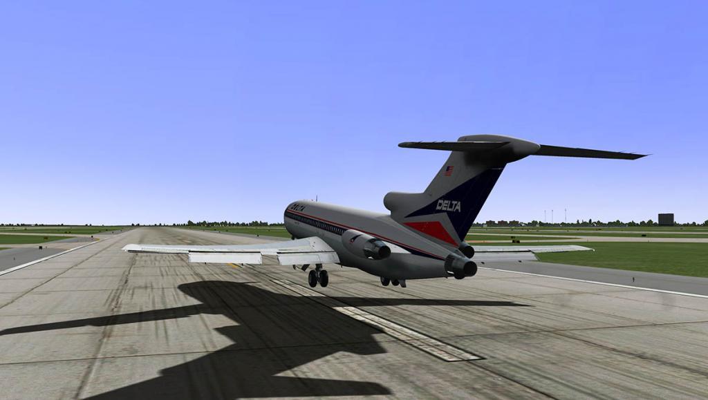 727-200Adv_Takeoff 3.jpg