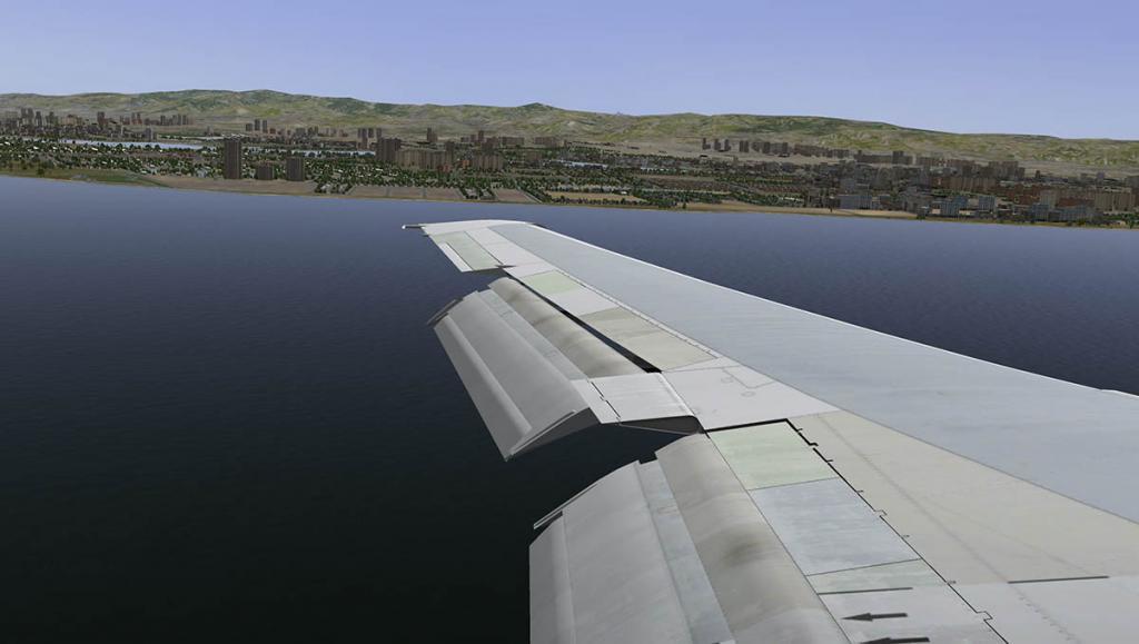 727-200Adv_Land 9.jpg