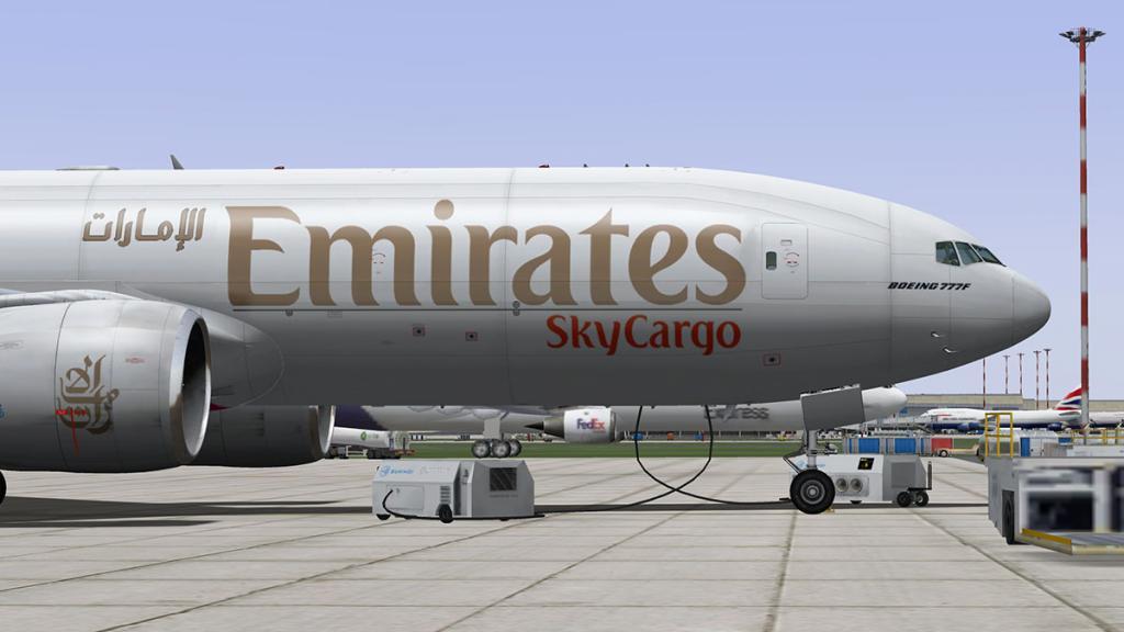 777-cargo_4.jpg