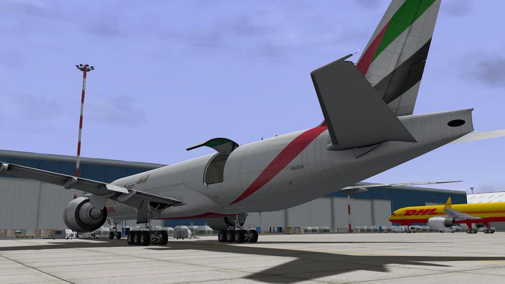 777-cargo_3.jpg