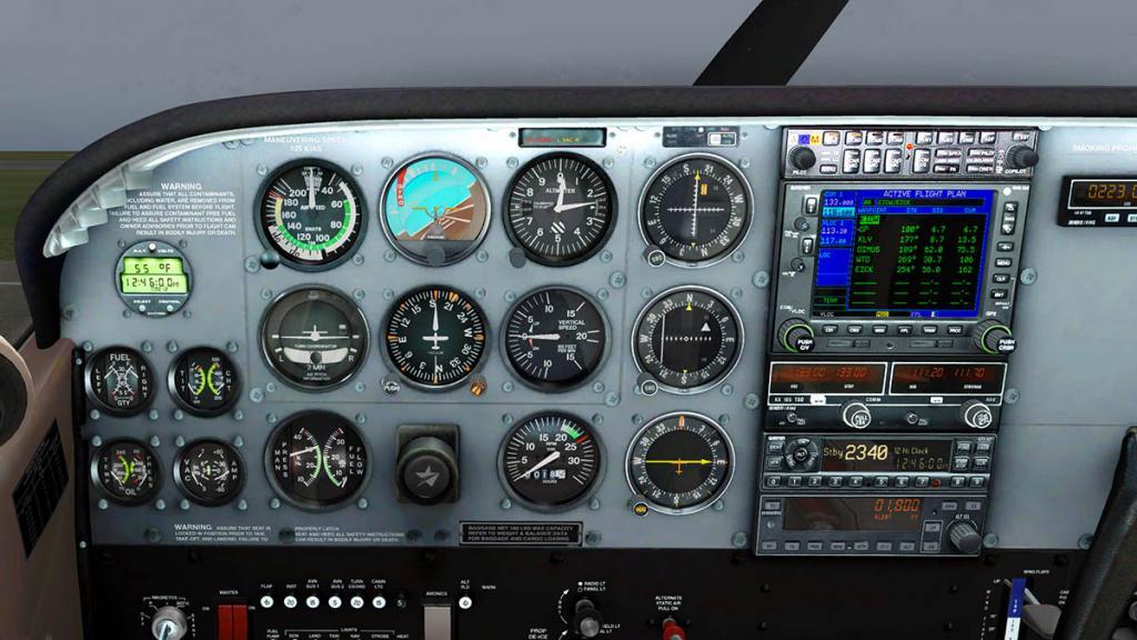 Car_CT206H_GNS 3.jpg