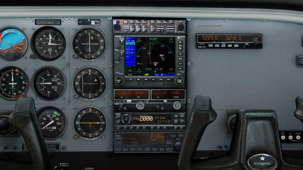 Car_CT206H_GNS 2.jpg