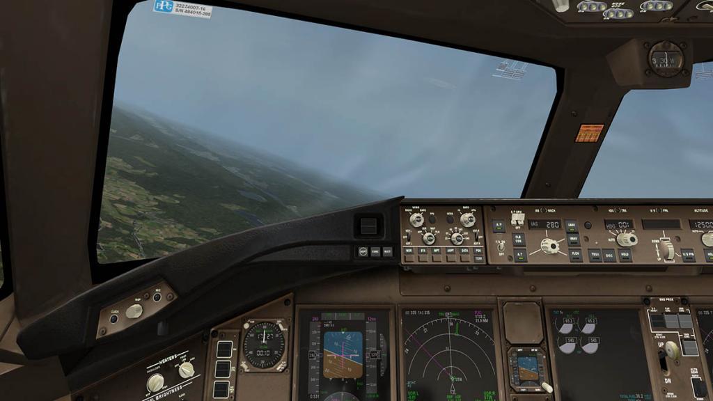 777_Cockpit 5.jpg