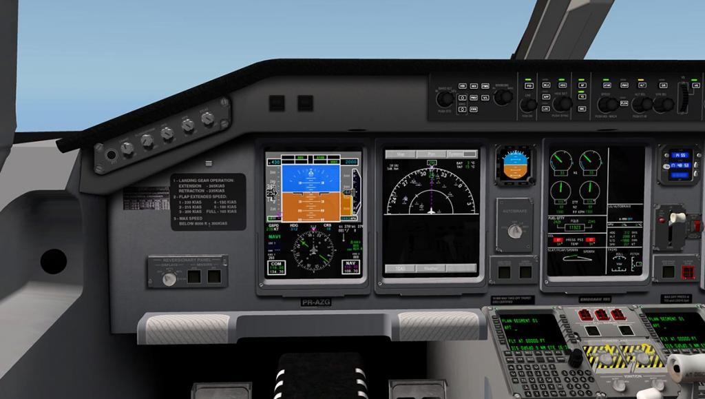 ERJ 195 LR_COCKPIT PILOT.jpg