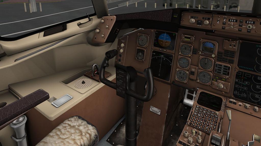 757RR-200_Cockpit left.jpg