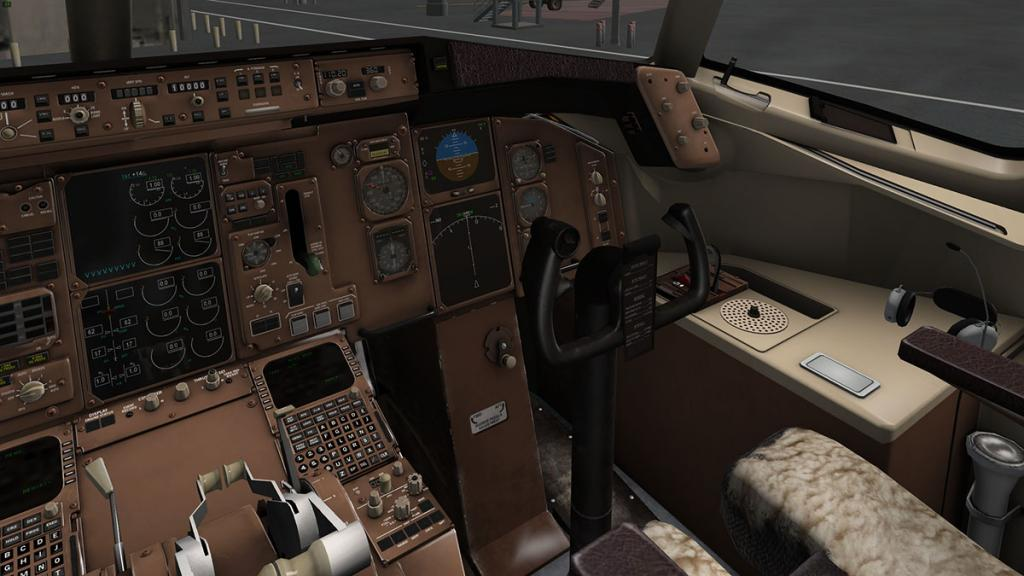 757RR-200_Cockpit right.jpg