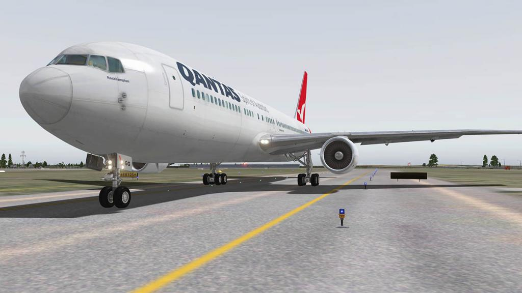 767PW-300ER_Ground 5.jpg