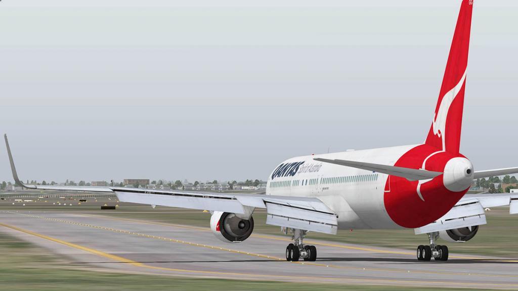 767PW-300ER_Ground 6.jpg