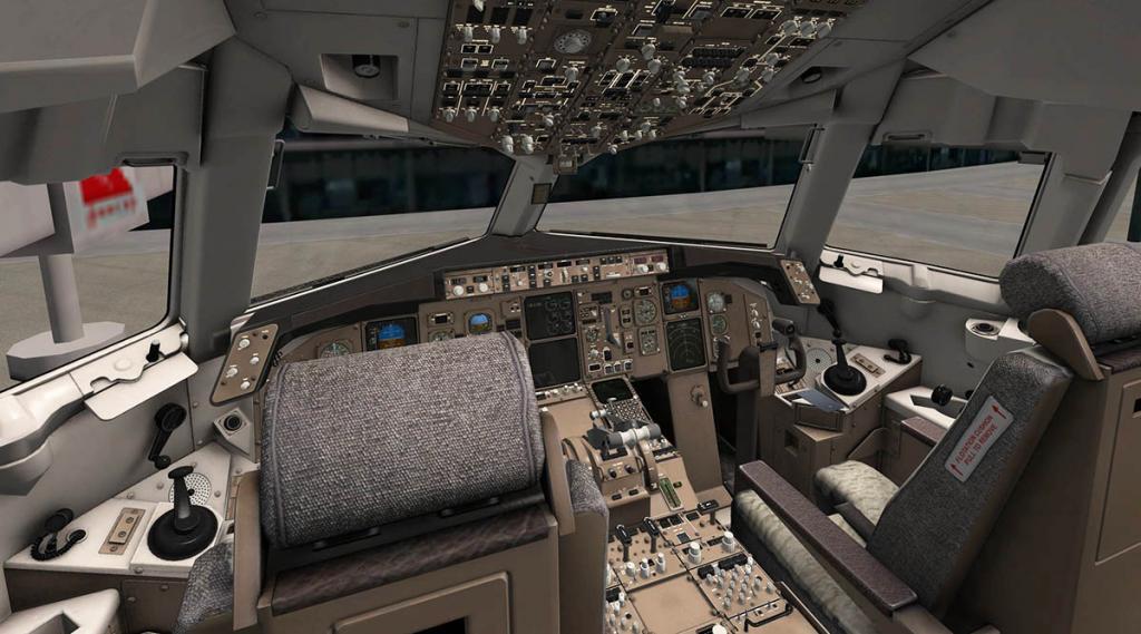 767PW-300ER_Cockpit 1.jpg