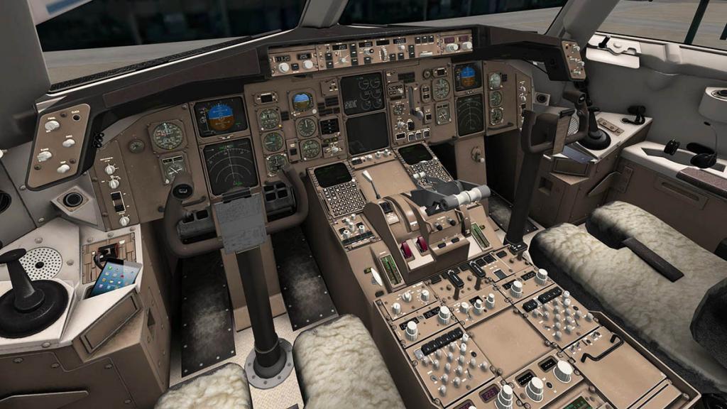 767PW-300ER_Cockpit 8.jpg