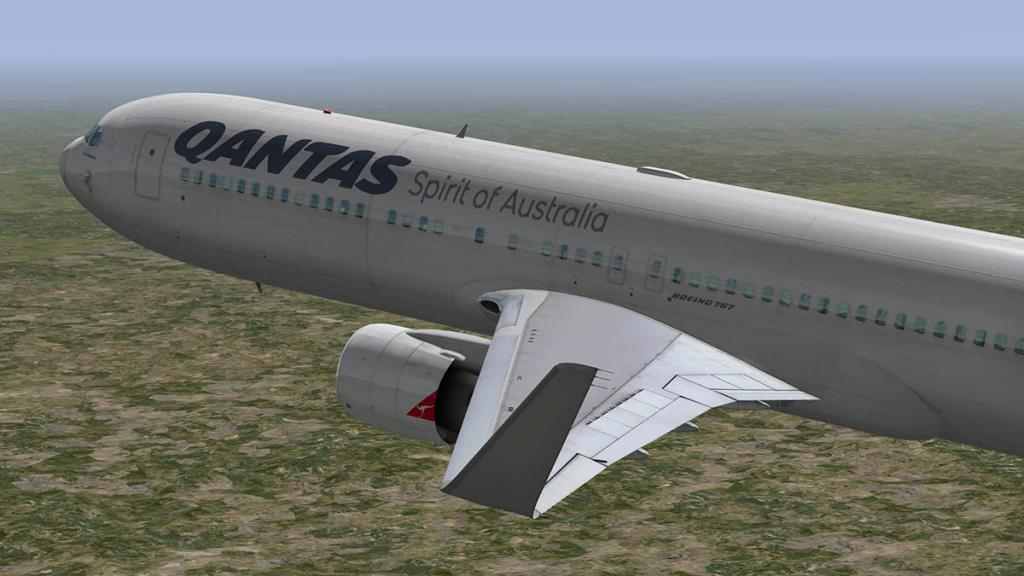 767PW-300ER_Flying 7.jpg