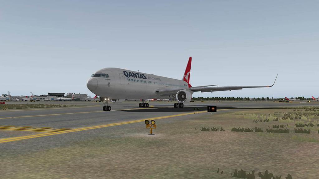 767PW-300ER_YSSY 3.jpg