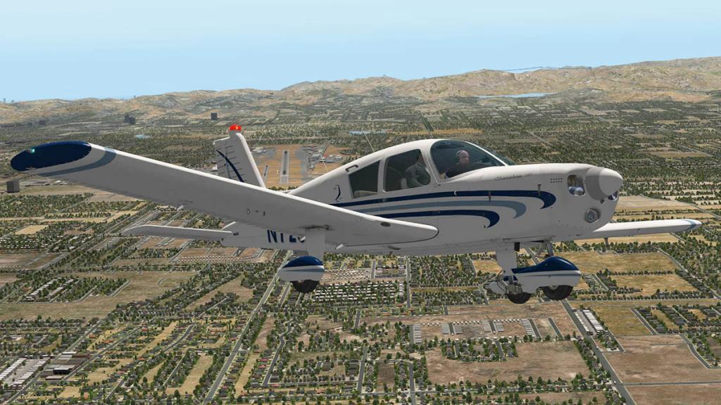 Cherokee140_C_Flying 10.jpg