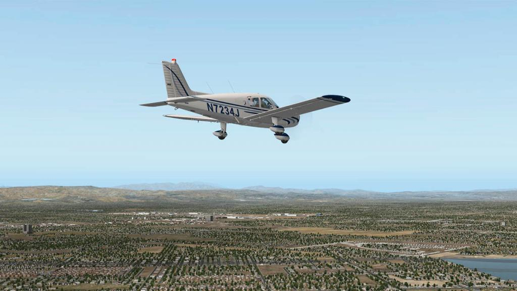 Cherokee140_C_Flying 14.jpg