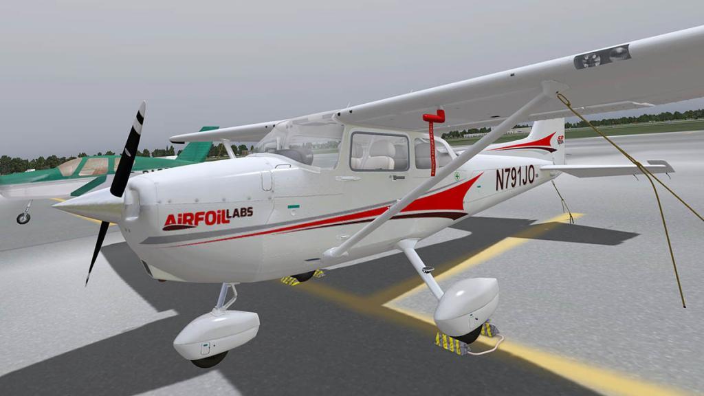 Airfoillabs_C172SPv1.40_Flying 12.jpg