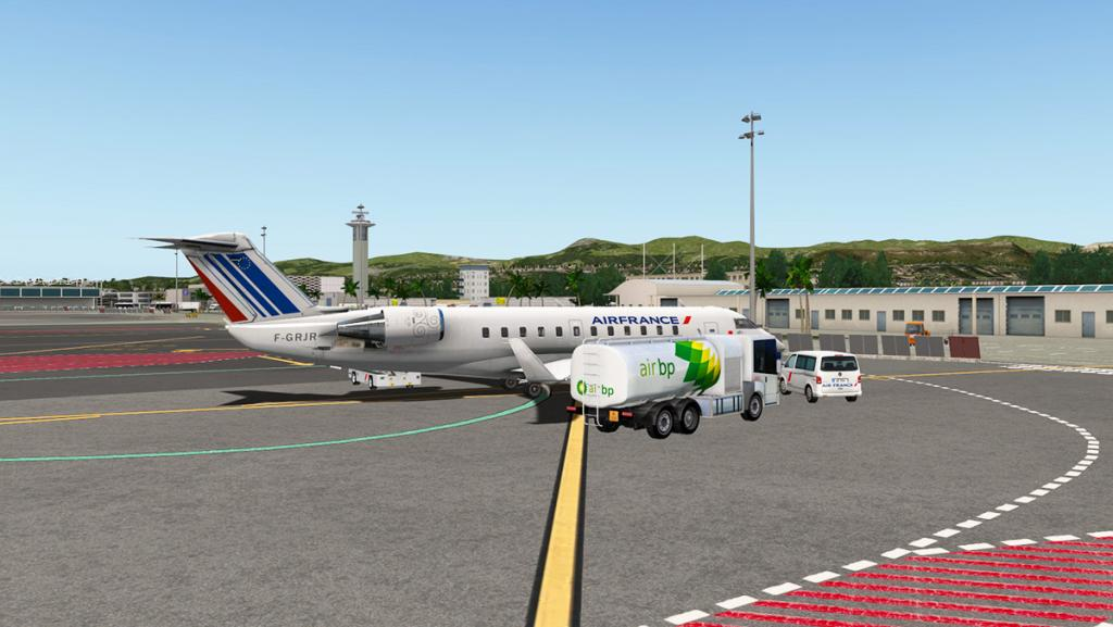CRJ200_LFMN 1.jpg
