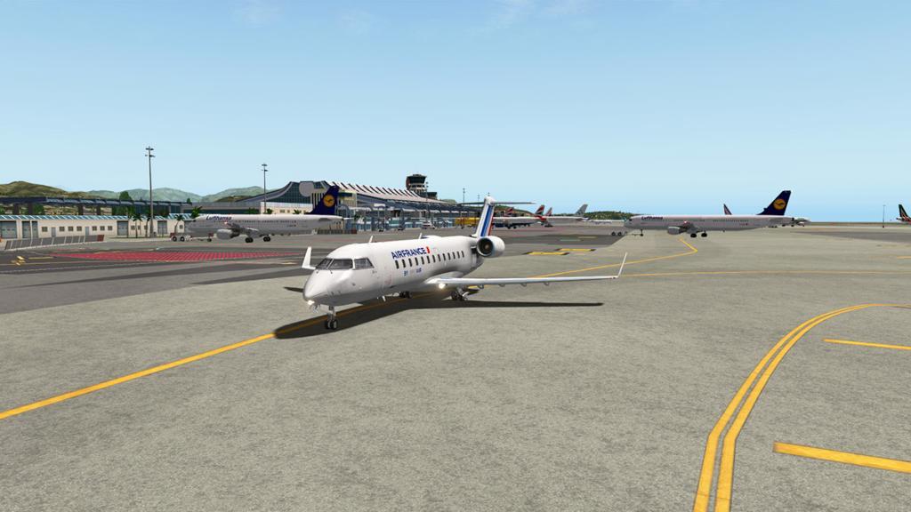 CRJ200_LFMN 2.jpg