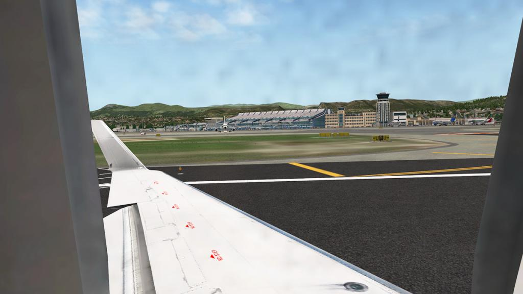 CRJ200_LFMN 4.jpg