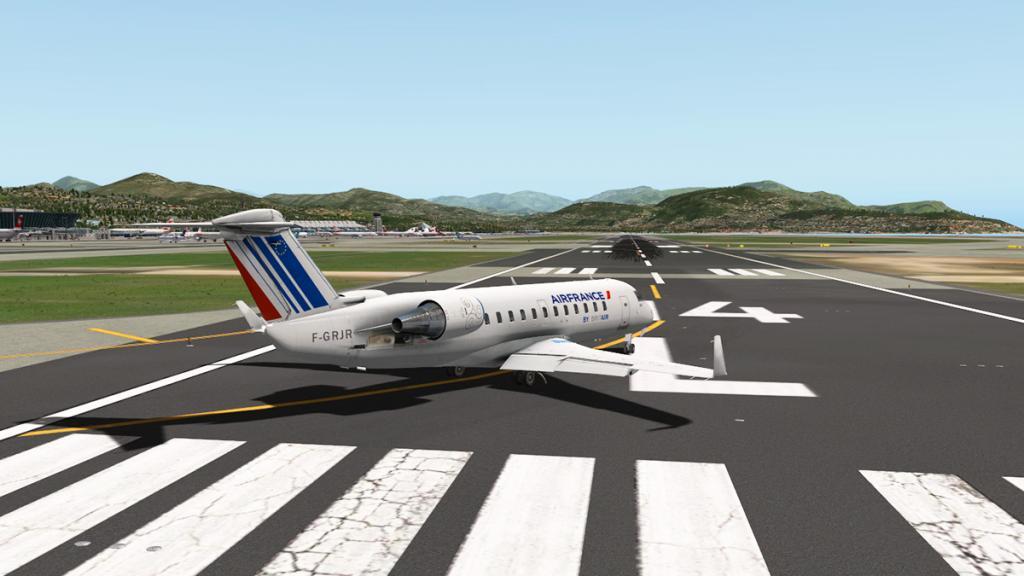 CRJ200_LFMN 3-1.jpg