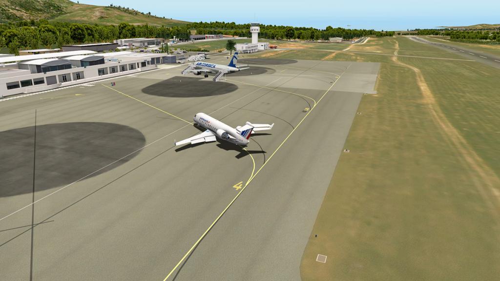 CRJ200_LFKC 10.jpg