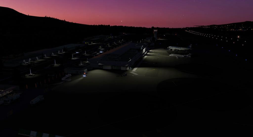 CRJ200_LFKC night -1.jpg
