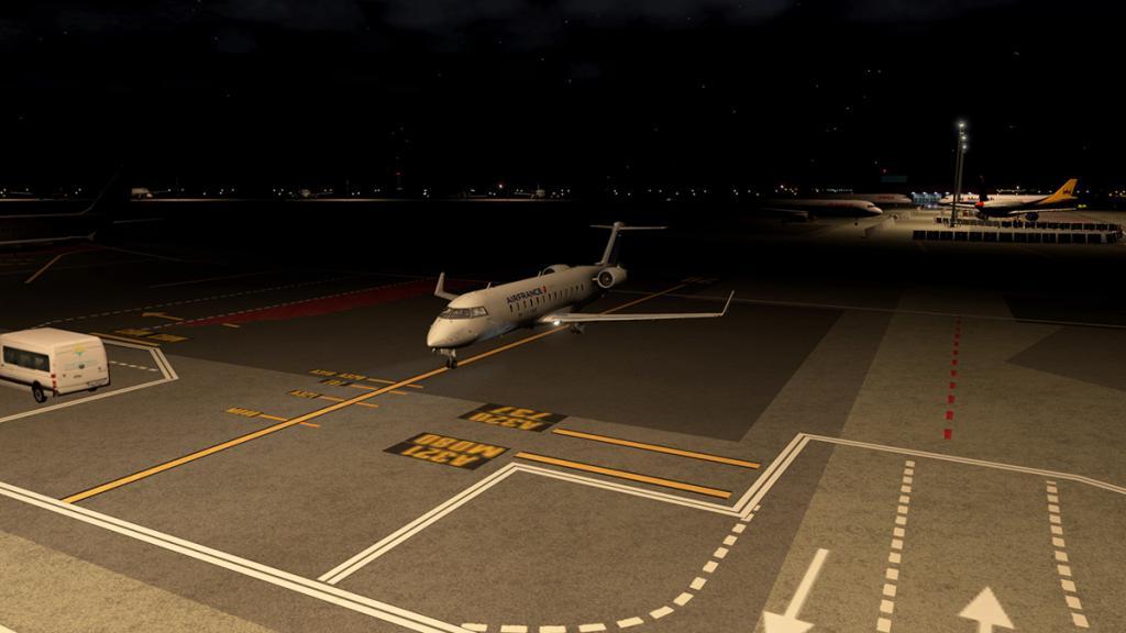 CRJ200_LFMN night -9.jpg