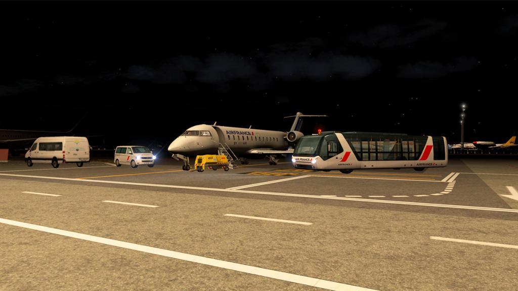 CRJ200_LFMN night -11.jpg