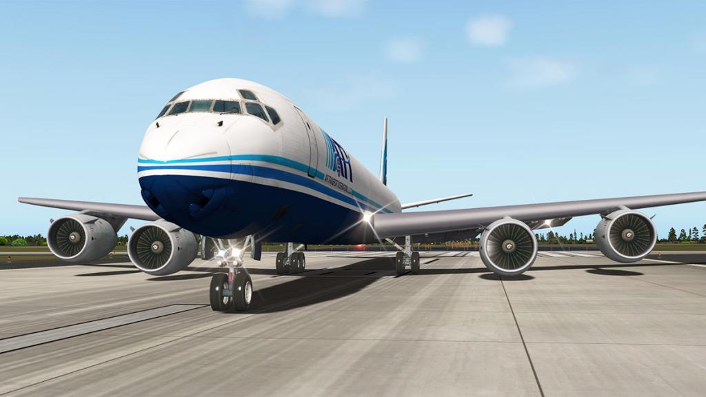 DC-8-71F_Taxi 8.jpg