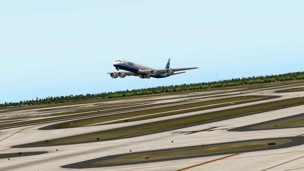 DC-8-71F_Takeoff 4.jpg