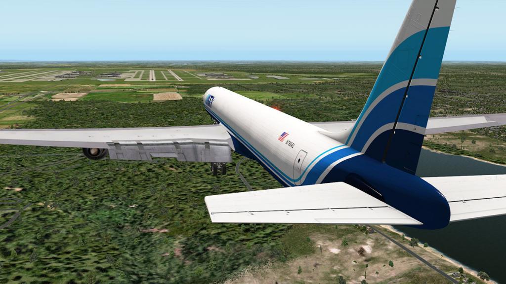 DC-8-71F_Landing 5.jpg