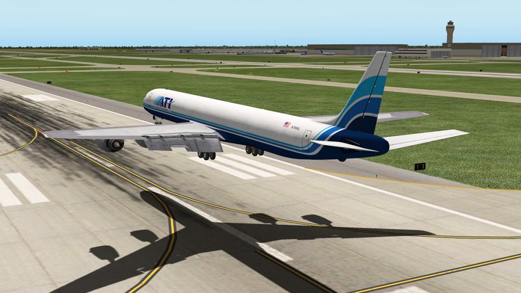DC-8-71F_Landing 8.jpg