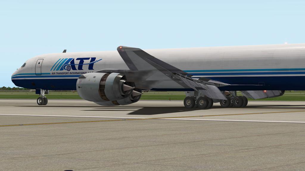 DC-8-71F_Landing 10.jpg