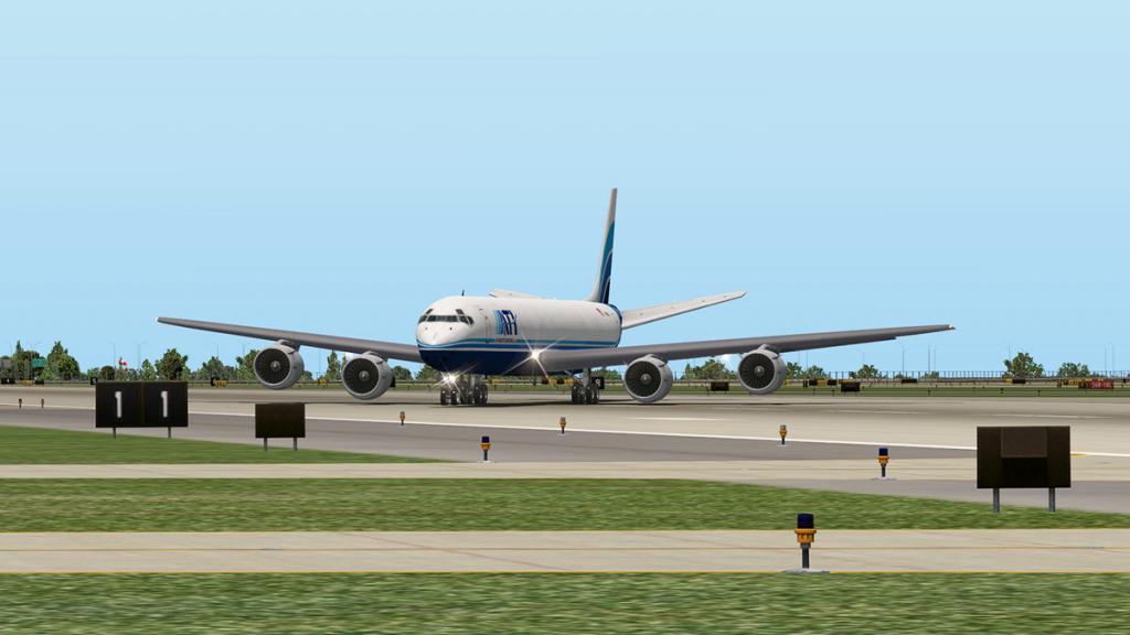 DC-8-71F_Landing 12.jpg