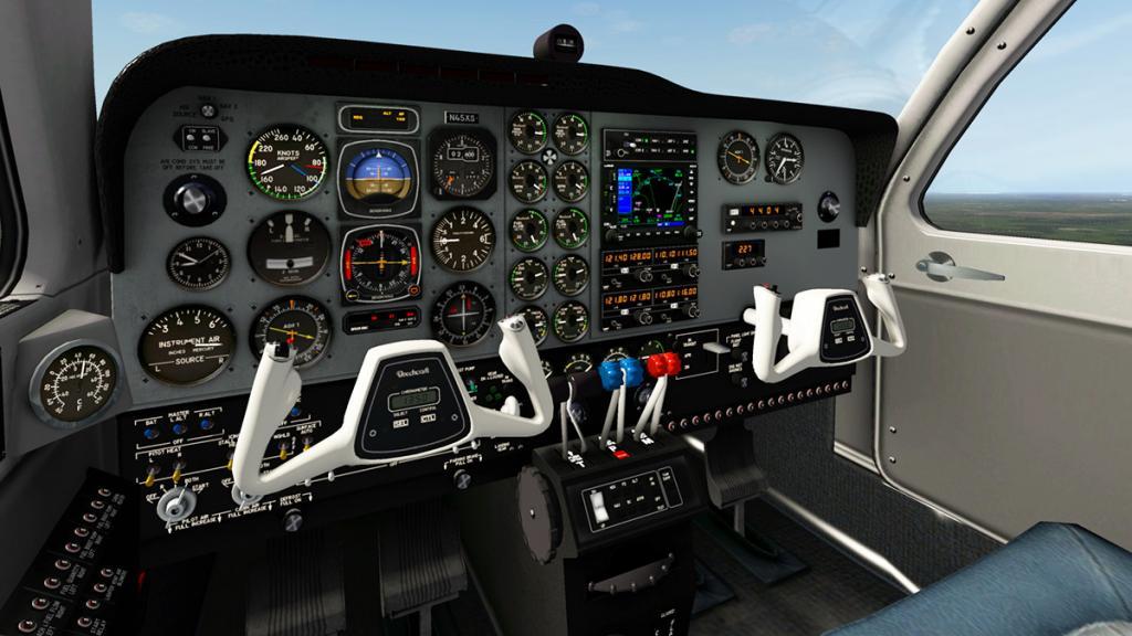 Baron_58_Cockpit 1.jpg
