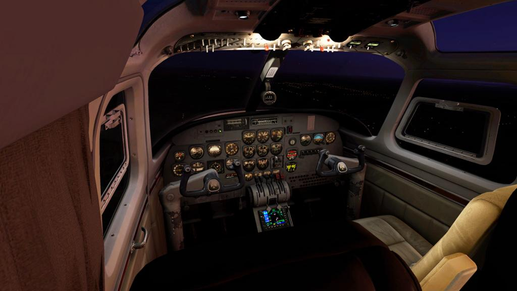 Car_AeroCommander_lighting 1.jpg