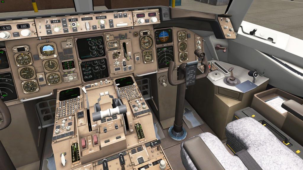 757-200_Cockpit 3.jpg