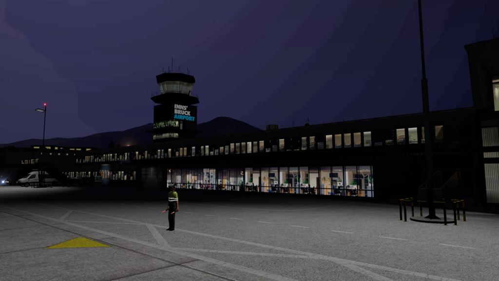 LOWI - XP11 - Airport Night 1.jpg