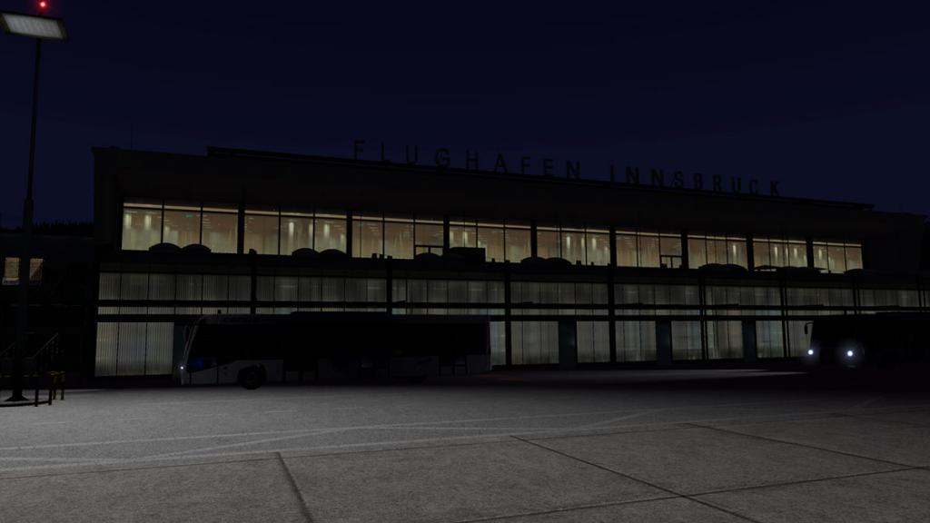 LOWI - XP11 - Airport Night 2.jpg