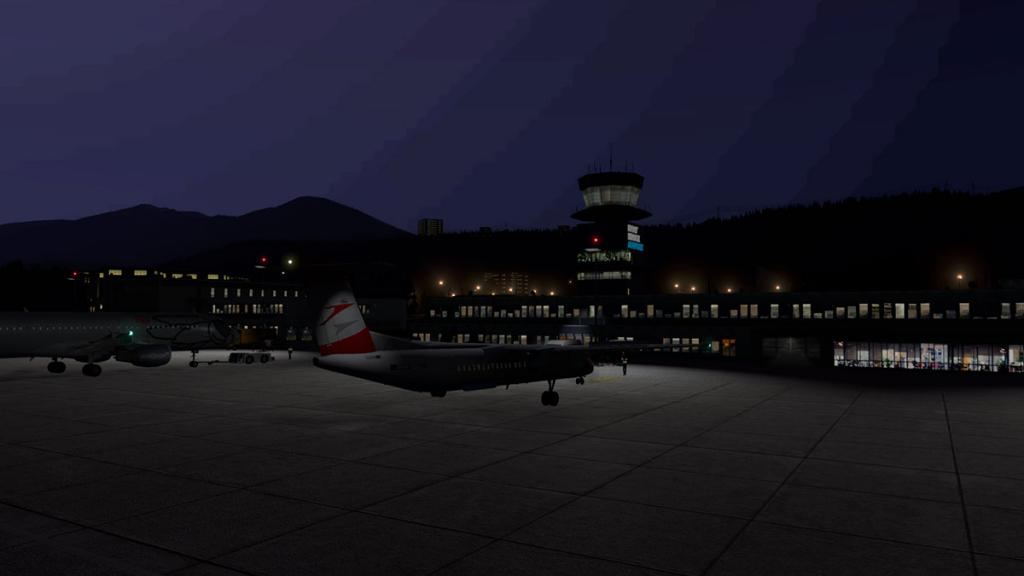 LOWI - XP11 - Airport Night 3.jpg
