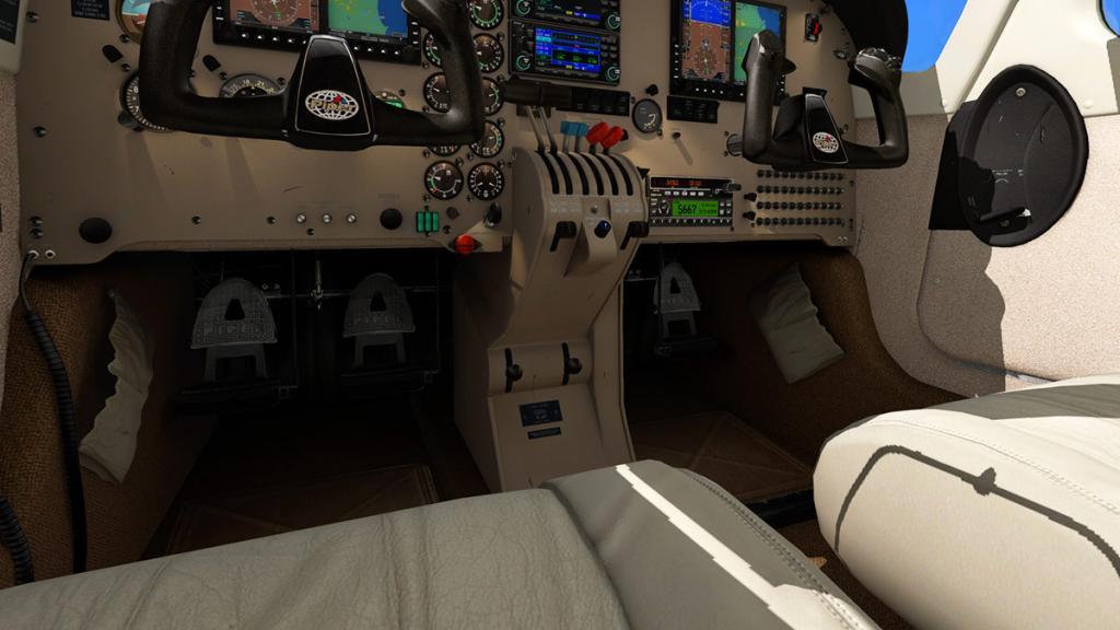 PA_34_Seneca_V_Cockpit 4.jpg