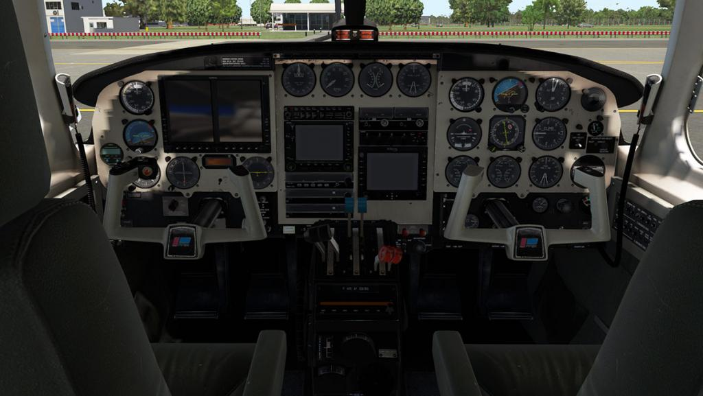 Alabeo_PA31_Chieftain_Cockpit 1.jpg