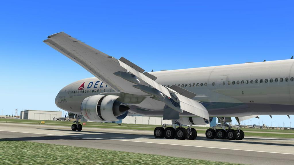 777-200ER_195 Land 4.jpg