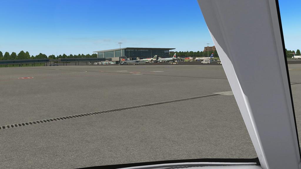 ELLX - LUX Arrival 21.jpg